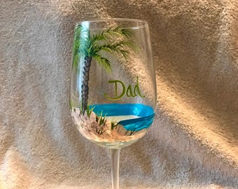 Free shipping Palm trees beach wine glass hand painted for dads grandpa brother uncle retirement etc
