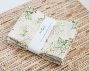 Large Cloth Napkins - Set of 4 - (N5636) - Cream Daisy Flowers Modern Reusable Fabric Napkins