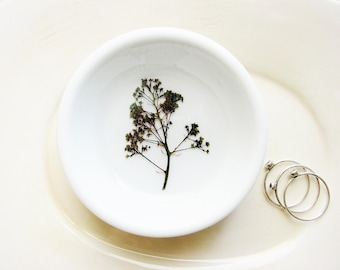Pressed Flowers Ring Dish, Garden Flower Dish, Birthday Gift, Mother's Day Gift, Paperclip Holder, Jewelry Dish