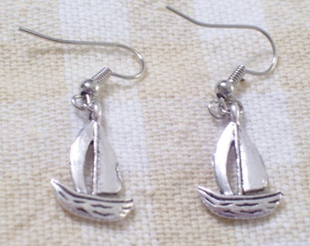 Antiqued Silver Sailboat Sail Boat Earrings, Nautical Earrings, Beach Earrings, Sailing Earrings, Nautical Jewelry, Silver Nautical