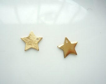 2pcs Gold vermeil star charms, One side shiny, one side brushed.,gold plated sterling silver