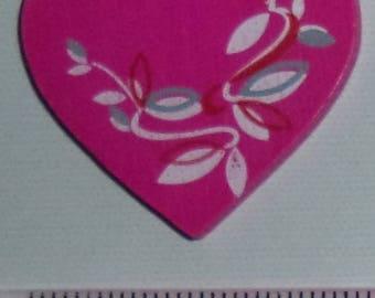 Pink wooden heart wit nine 3 cm wide