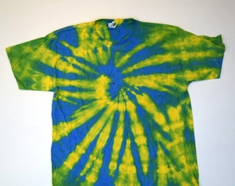Hey! Hey! Spiral Tie Dye T-Shirt  (Fruit of the Loom Heavy Cotton HD Size L) (One of a Kind)