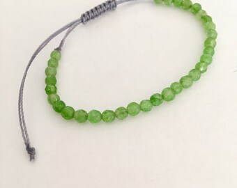 Green agate gemstone bead dainty friendship bracelet. Gemstone jewelry for everyday.