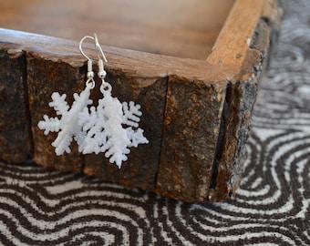 Snowflake Earrings, White Earrings, 3D Earrings, Christmas Earrings, Holiday Earrings, Christmas , Holiday Gift, Winter Earrings
