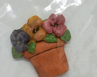 """CLEARANCE - Garden Resin Clay Pot """"Pansies"""" - Homeland Collection - 1.5 x 1.25 x .25 Inches"""