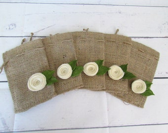 Rustic Wedding, Burlap Favor Gift Bags with Ivory Felt Flowers Small Set/5