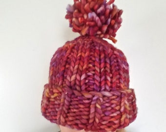 red knit pom-pom hat