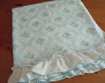 Vintage Tastemaker Blue Roses Cameo Double Flat Sheet with Ruffle 81 x 100 in. Cottage Chic