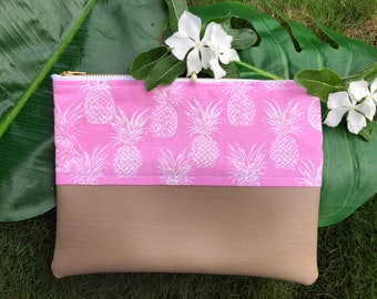 Pink pineapple zipper pouch