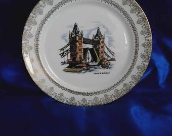 Tower Bridge Collectors Plate, Made in England
