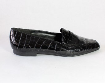 Vintage Black Glossy Faux Croc Slip On Loafers, size 8