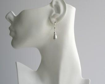 Gray Pearl Teardrop Earrings, Pearl Leverback Earrings, Bridesmaid Jewelry, Grey Pearl Jewelry, Wedding Party Gift, Pearl Teardrop Earrings