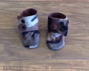 Infant Fleece Stay on Booties, Flannel lined Booties
