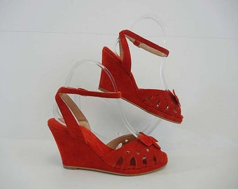 70s shoes / Float Like a Butterfly Vintage 1970's Red Ankle Strap Wedge Shoes
