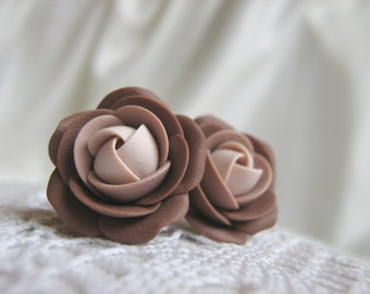 Polymer clay earrings - Brown rose flower stud earrings