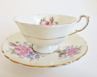 Paragon Teacup, Vintage Paragon Teacup and Saucer, Cabbage Rose Pink Flowers Teacup, Gift for Tea Lover, Bone China Teacup, Pink Rose Teacup