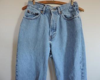 Vintage Denim Jeans Gap High Waist Mom Jeans 80's Reverse Fit, Distressed Denim size 6 Reg.