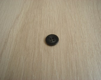 small marbled grey round button