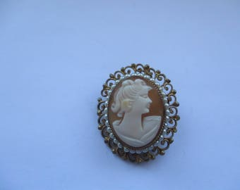 Vintage Rolled Gold Filligree, Shell Cameo Brooch / Pendant with faux Seed Pearls, Cameo Pin, Cameo Brooch, Filligree Cameo Brooch
