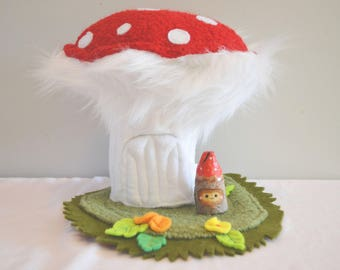 Toadstool Home with Woodfolk