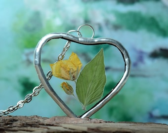 love necklace, heart glass necklace, dried flower pendant, botanical jewelry, nature inspired, boho terrarium necklace, Unique gift for Wife