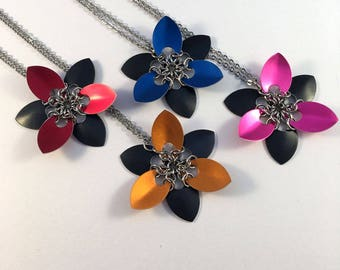 Scale maille flower pendant - scale mail flower necklace