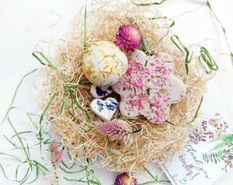 Botanical Seed Bombs ™  10 Balls Hearts Flowers with Wildflower Garden SEEDS Gift for Gardener, Gifts Under 20, Nature Gift, Unique Present