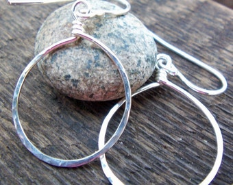 Hammered silver hoop earrings, Argentium sterling silver, Dangle hoop earrings, Medium hoops, Teardrop earrings, Modern, Boho, Gift for mom