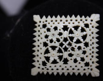 Gorgeous early Celluloid carved brooch - Very old!