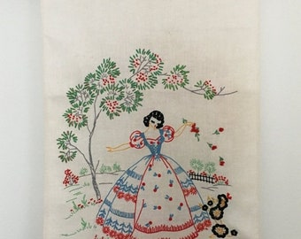 Memorial Day 1930's Linen Embroidered Dresser Scarf