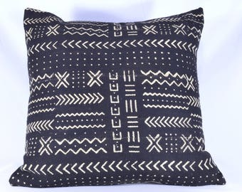 "16"", 18"", 19"", 22"" - African Mud cloth Pillow Cover; Bogolanfini Decorative Pillow, Black & White Mudcloth Throw from Mali - BF1021"