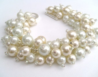Set of 7 Bracelets, Bridal Jewelry, Wedding, Pearl Bridesmaid Bracelet, Cluster Bracelet, Pearl Bracelet, Ivory and White Pearl Jewelry