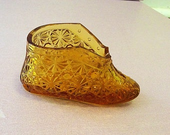 Fenton glas slipper, buttons and bows baby boot