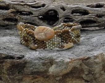 Bijoux - Bracelet - tissage - opale africaine - BOHO en perles point Peyote sous forme libre