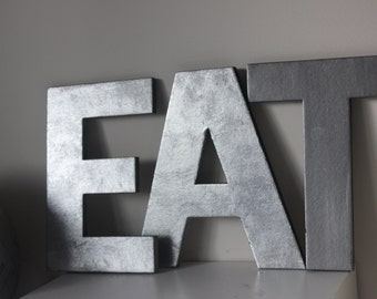 1 FAUX METAL LETTER Zinc Steel Initial Home Room Decor Eat Signs Letter Vintage Style Designer Gray Silver Monogram Alphabet Rustic Wedding