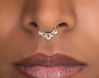 Tiny Fake Septum Ring For Non Pierced Nose. Fake Septum Jewelry. Septum Clip. Faux Septum Piercing