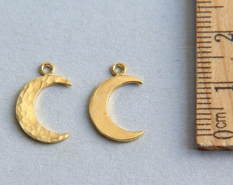Moon Charm, Half Moon Charm, Hammered Monn Charm, 24K Gold plated sterling silver Crescent Charm, Gold Crescent Moon Charm, 15mm ( 1 piece )