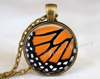 BUTTERFLY WING Pendant Necklace Keychain, Monarch Butterfly Necklace, Monarch Butterfly Pendant, Monarch Butterfly Jewelry, Butterfly Wing