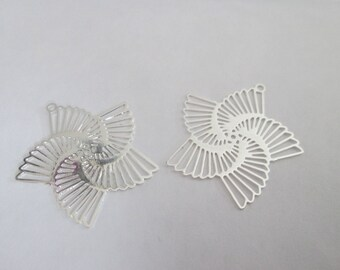 2 silver metal 22 mm spiral flower prints