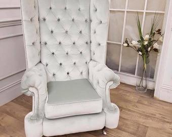 Chesterfield high back queen arm chair