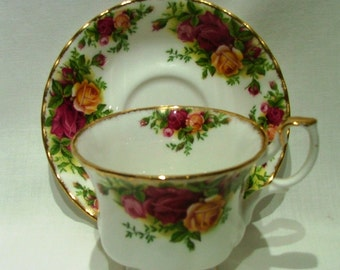 RA Old Country Roses cup and saucer
