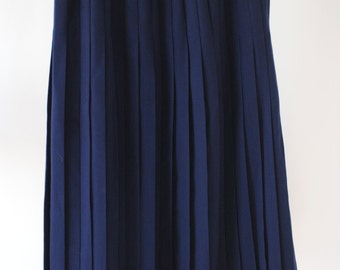 SALE Vintage Navy Mid-Length Pleated Skirt