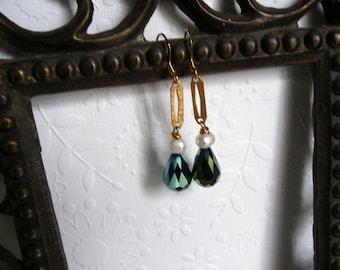 CLEARANCE SALE/Art Nouveau Emerald Green Crystal Earrings, Art Deco Earrings, Edwardian Earrings