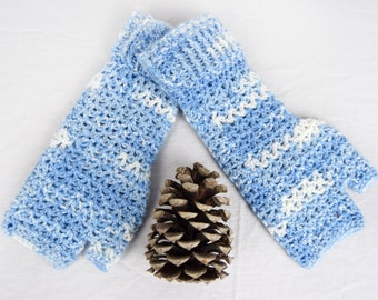 Crochet Hand warmers, Fingerless Gloves, Fingerless Mittens, Arm Warmers, Wrist Warmers, Festival Wear, Blue and White, Ladies Medium,