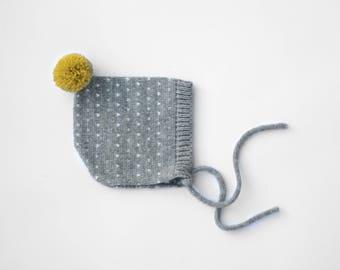 Alpaca baby bonnet - knitted toddler bonnet - Polka dot hat - Knitted hat children - Pompom infant hat - Children knit hat