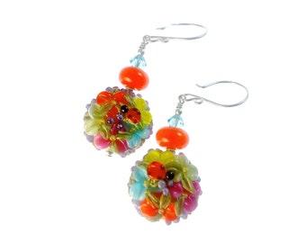 Floral Lampwork bunt Orange Drop Ohrringe, handgemachte einzigartige Ohrringe, Lampwork Schmuck, Glasperlen Schmuck, Perlen Ohrringe