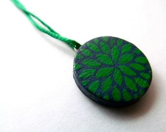 petite pendant - petal burst in navy and green