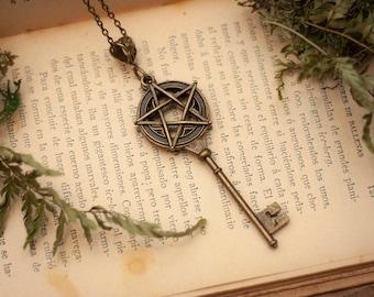 Wicca Key Necklace, Skeleton Key Necklace, Fantasy Jewelry, Pentagram Necklace, Pentagram Jewelry, Wiccan Clothing, Witchy Necklace