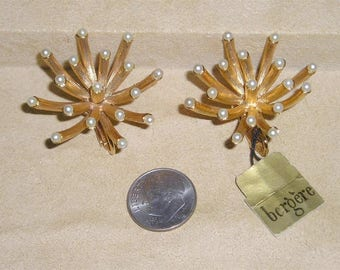 Signed Bergere Vintage Whimsical Sea Anemone Clip On Earrings With Faux Pearls  Bezel Set 1960's Jewelry A57